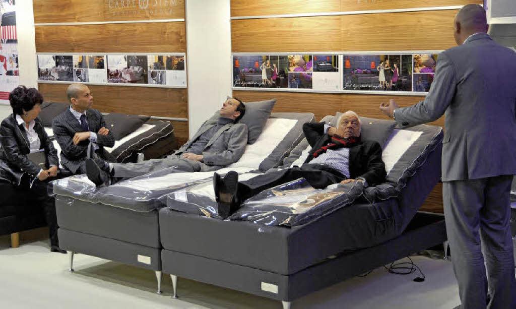 richtig schlafen. Black Bedroom Furniture Sets. Home Design Ideas
