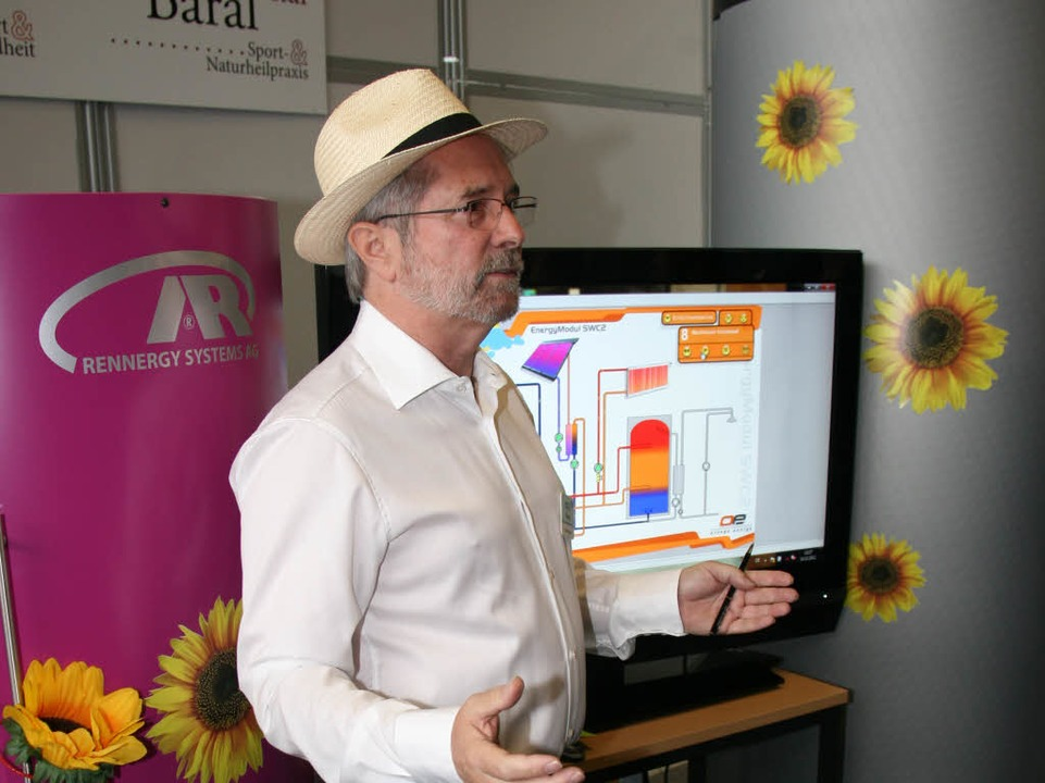 Peter Baral  erläuterte,  wie man mit Energie im Haus sparsam umgehen kann.  | Foto: Gerda Oswald