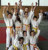 Judo-M�dchenteam jubelt �ber Bronze