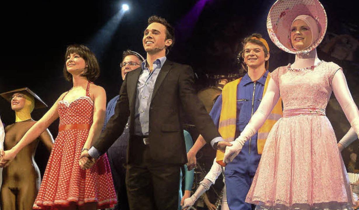 Mit Ovationen gefeiert:  die Akteure d...#8220; nach der Vorpremiere im Gloria   | Foto: ROSWITHA FREY