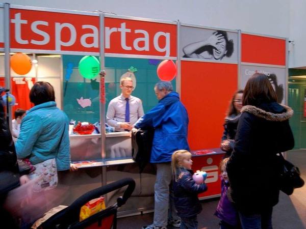 Die Spendenaktion zusammen mit der Sparkasse Freiburg-Südlicher Breisgau