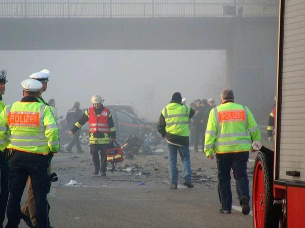 Ein schwerer Verkehrsunfall auf der A5 zwischen Lahr und Offenburg fordert sechs Menschenleben.