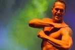 Fotos: Die Chippendales ziehen in Freiburg blank