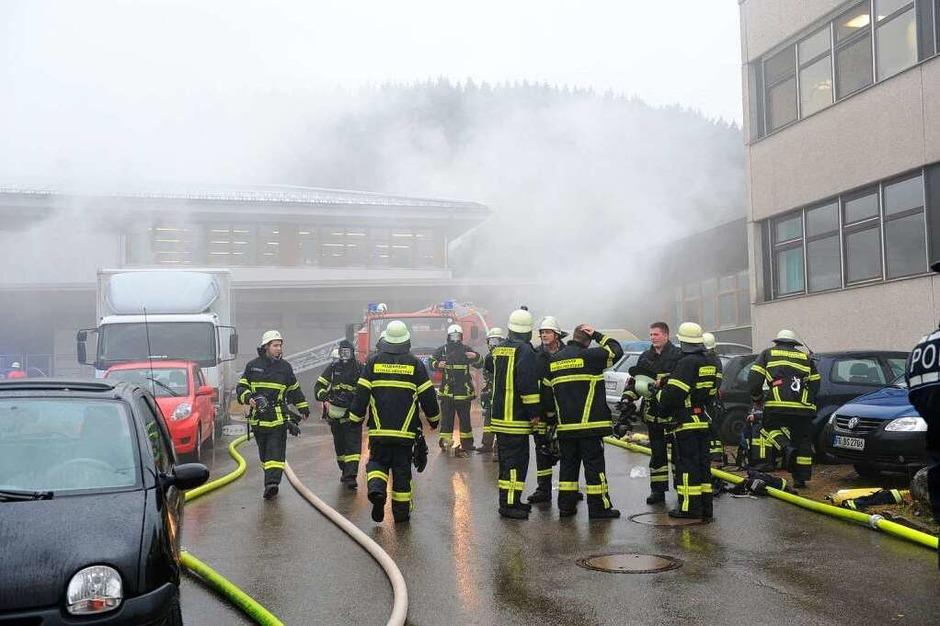 Explosion, Feuer und Qualm in der Caritas-Behindertenwerkstätte in Titisee-Neustadt. 14 Menschen kommen ums Leben. (Foto: dpa)