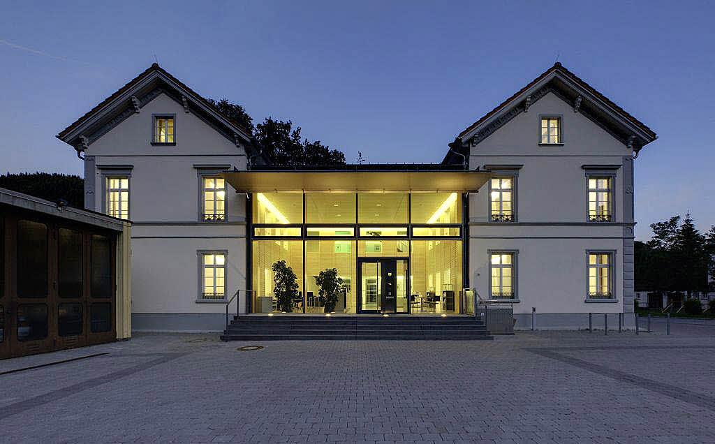 beispielhaftes bauen 23 h user im landkreis l rrach erhielten architekturpreis kreis. Black Bedroom Furniture Sets. Home Design Ideas