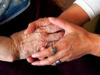 Pflege von Angehörigen kaum mit dem Beruf vereinbar
