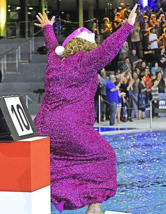 Wette gewonnen – Cindy aus Marzahn hüpft vor Freude<ppp></ppp>    Foto: Michael Bamberger