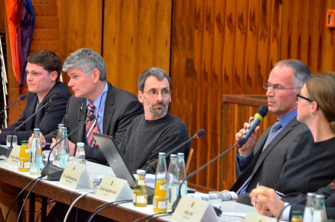 Die Firmenvertreter (von links): David...th und Partner) und Jörg Wellenbüscher  | Foto: Ralf H. Dorweiler