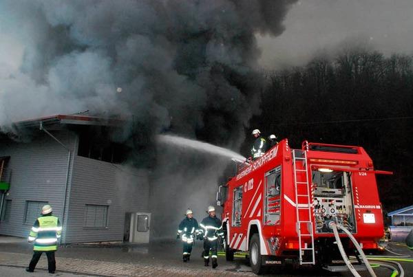 Der Löscheinsatz war vergebens, die Flammen waren zu mächtig.