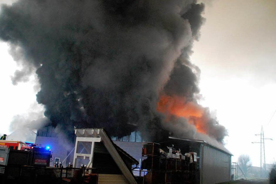 Ein Blick auf den Brandort von der Wiese aus (Foto: Angelika Schmidt)