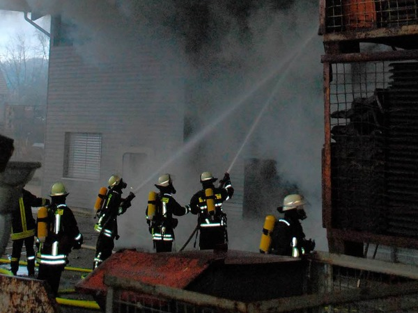 Die Feuerwehr war mit mehr als 80 Mann im Einsatz.