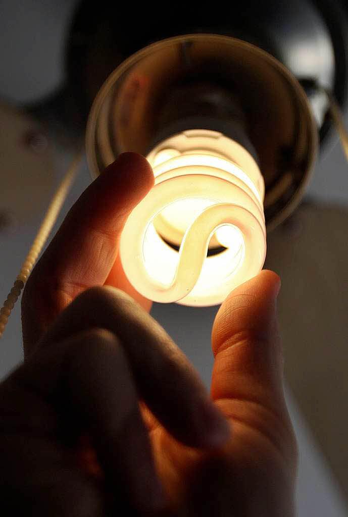 umwelt natur entsorgung energiesparlampen schlamperei bringt quecksilber in die umwelt. Black Bedroom Furniture Sets. Home Design Ideas