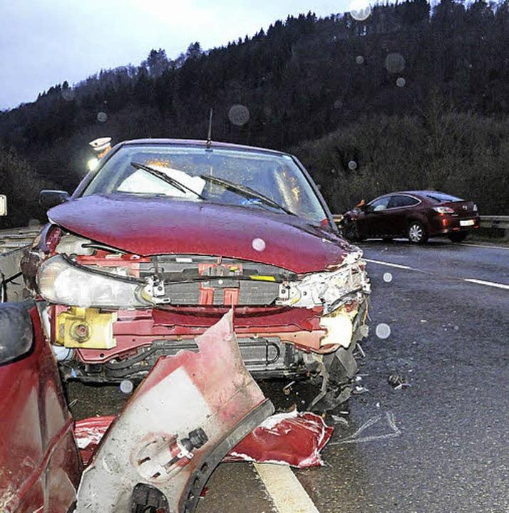 Eine ganze Unfallkette entwickelte sic... zweier Pkw am Mittwoch auf der B317.   | Foto: Bergmann