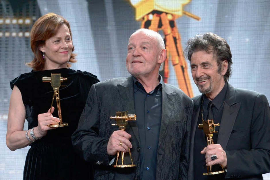 "Verleihung der ""Goldene Kamera"" – Sigourney Weaver, Joe Cocker & Al Pacino. (Foto: dapd)"