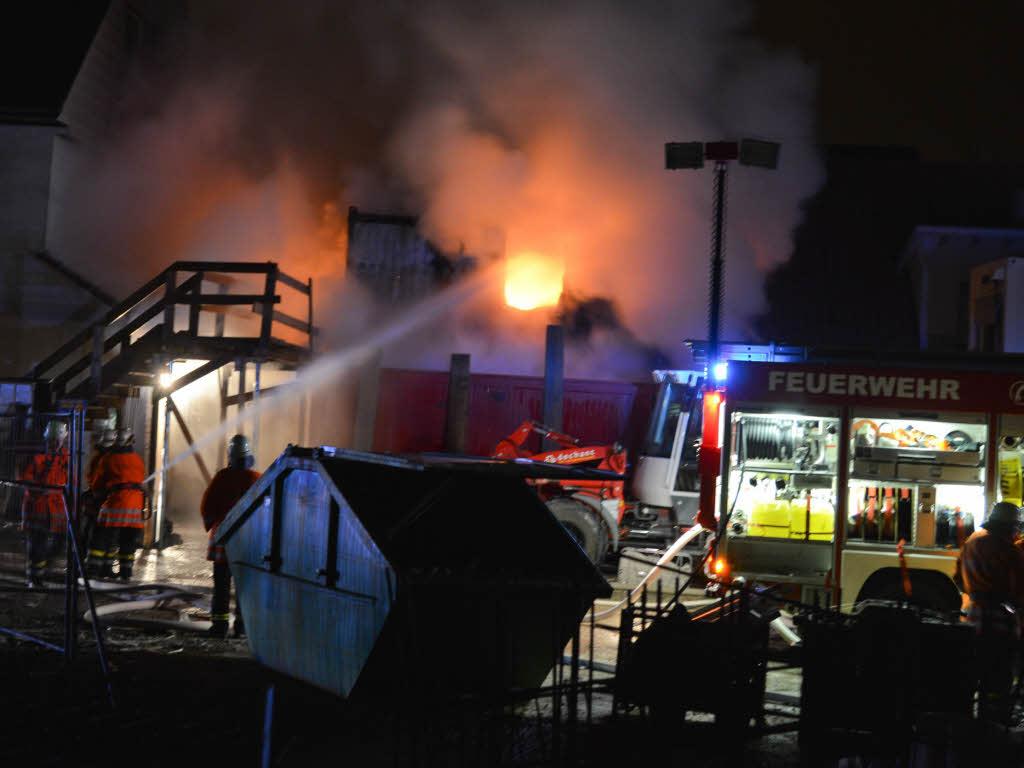 Brandstiftung wohncontainer in flammen rheinfelden for Smart haus wohncontainer