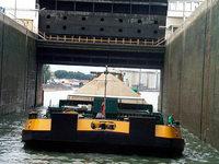 Tankmotorschiff rammt Schleuse - Oberrhein zeitweise gesperrt