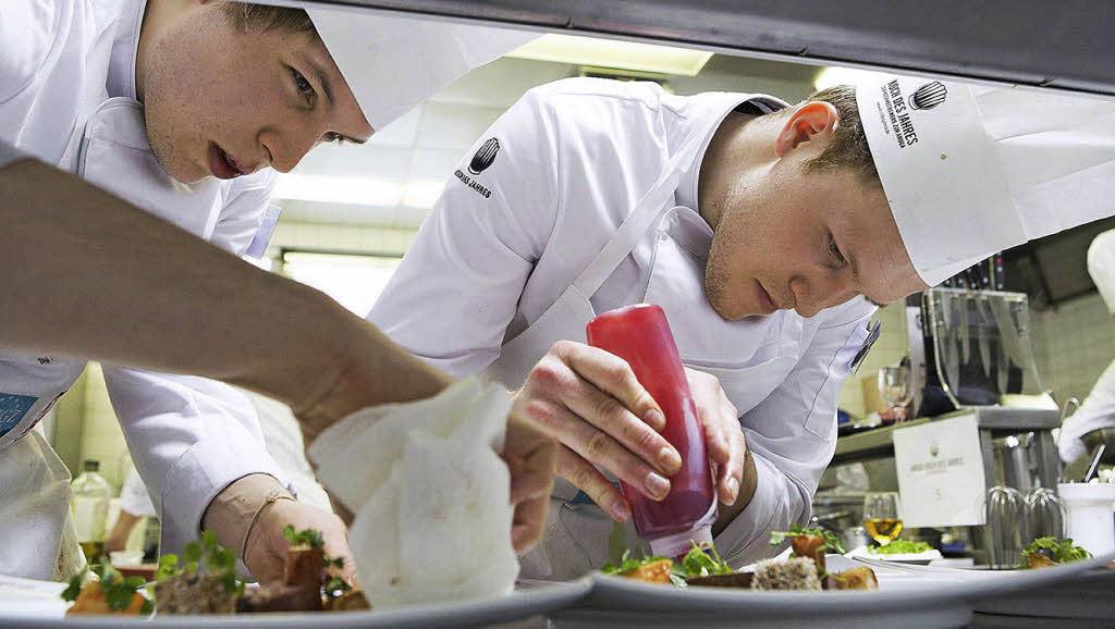 Koch bei der arbeit  Auf dem Sprung zu höheren Weihen - Ortenaukreis - Badische Zeitung