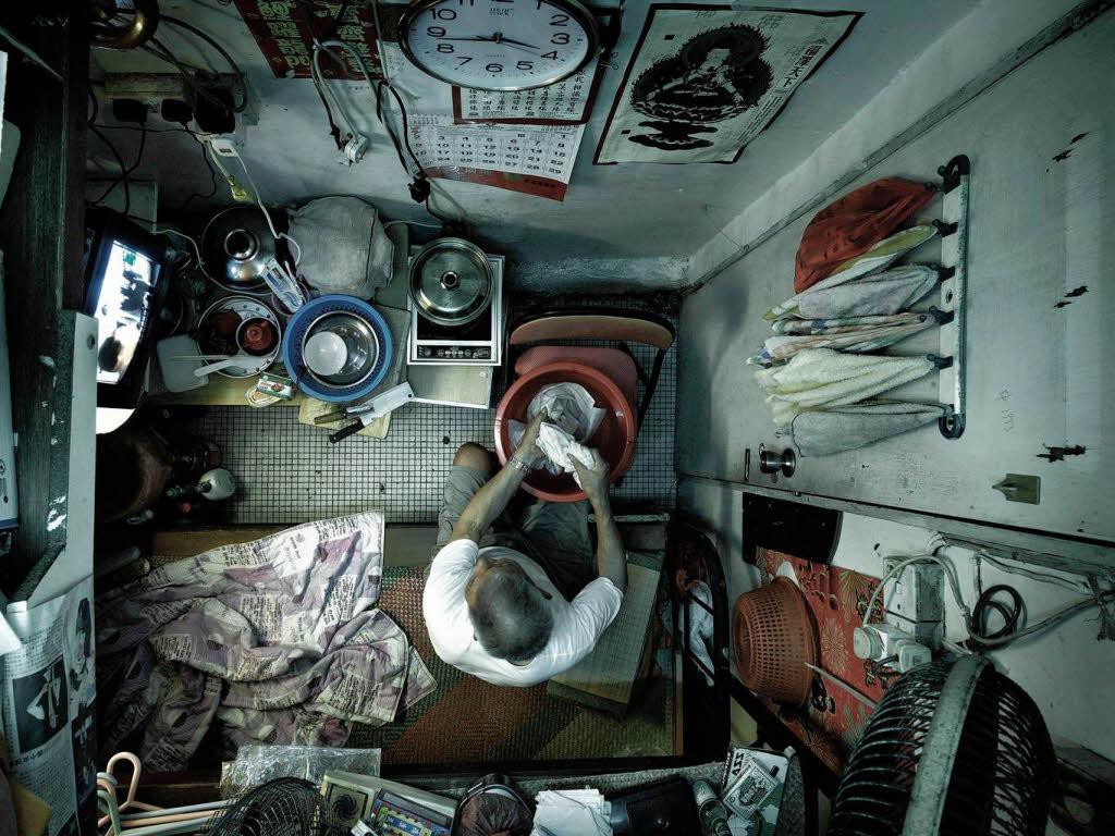 fotos leben auf engstem raum in hong kong panorama fotogalerien badische zeitung. Black Bedroom Furniture Sets. Home Design Ideas