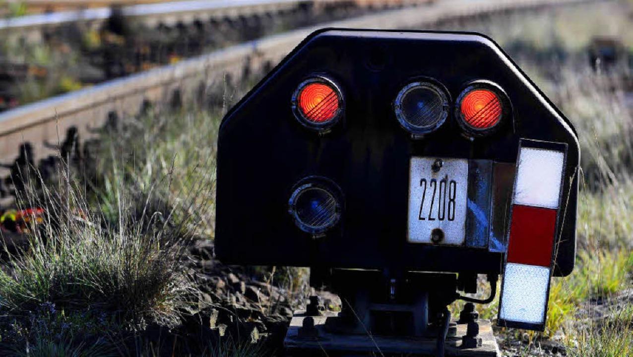 Zeigt das Signal für den Ausbau der Hochrheinlinie bereits rot?   | Foto: DPA