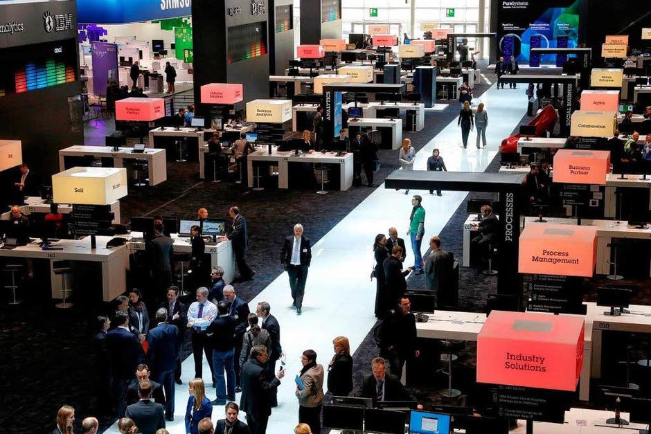 Informationsstand von IBM auf der Computermesse CeBIT. (Foto: dapd)