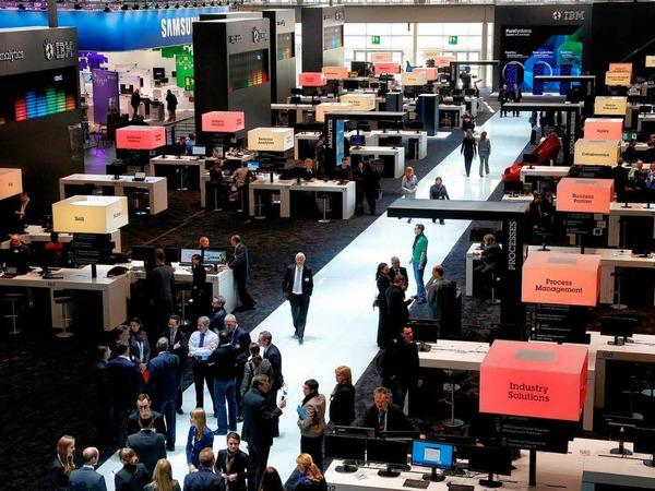 Informationsstand von IBM auf der Computermesse CeBIT.