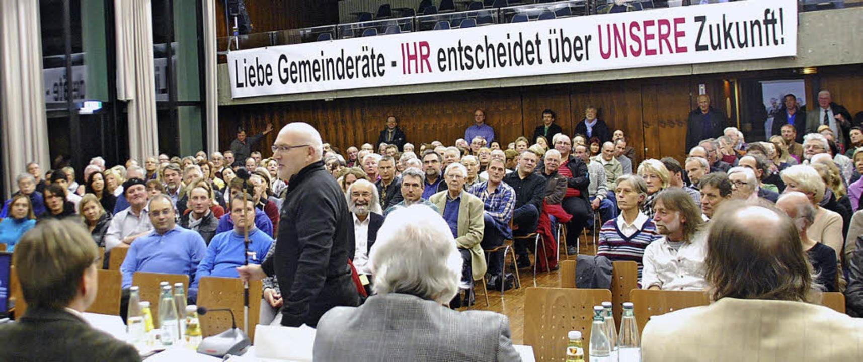 Die Zimmermann-Ansiedlung mobilisiert:...i der Bürgerversammlung voll besetzt.   | Foto: Ralf Staub