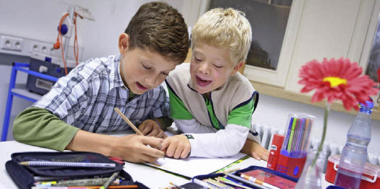 Kinder mit und ohne Behinderung werden...schaftsschule gemeinsam unterrichtet.   | Foto: Archivbild: dPA