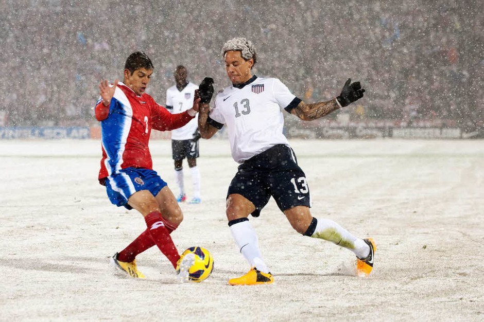 Schnee-Fußball in Commerce City (Colorado) (Foto: AFP)