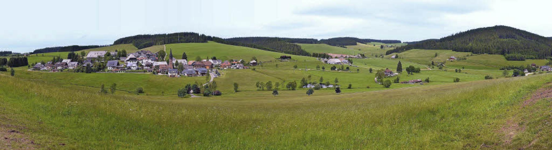 Waldau und die Höhen hinter dem Dorf s... den laufenden Windenergie-Planungen.   | Foto: Philippe Thines