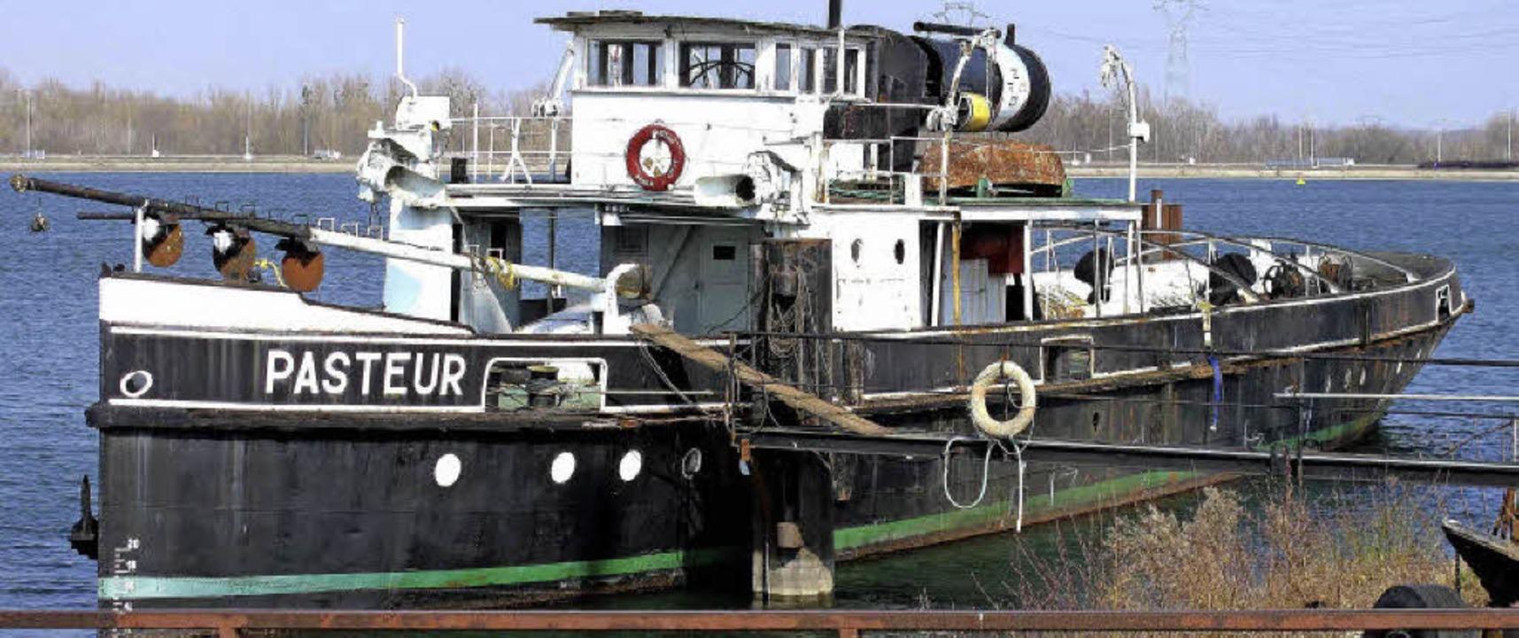 Louis Pasteur 99 Jahre altes Dampfschiff, das in Rheinau verschrottet wird  | Foto: Hermann Kiefer