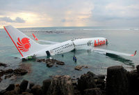 Bruchlandung im Meer vor Bali - alle Insassen gerettet