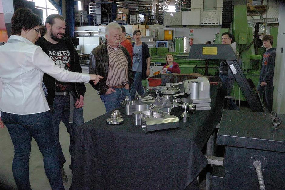 Viele Besucher ließen sich bei den verschiedenen Firmen über deren Produkte informieren. (Foto: Jürgen Schweizer)