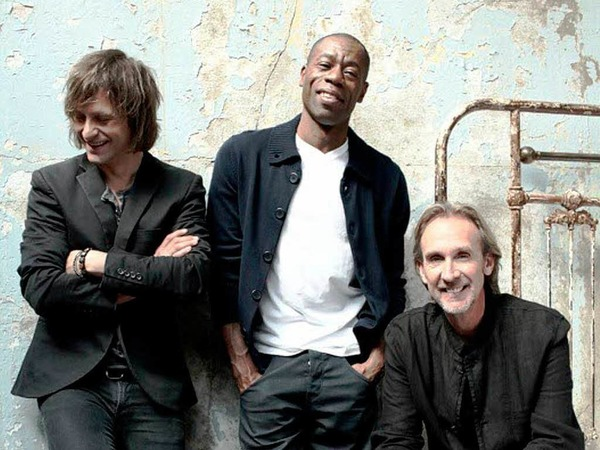 Lifetime Award: Mike & the Mechanics