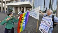 Ballistiker im Konzerthaus - Protest von Friedensbewegten