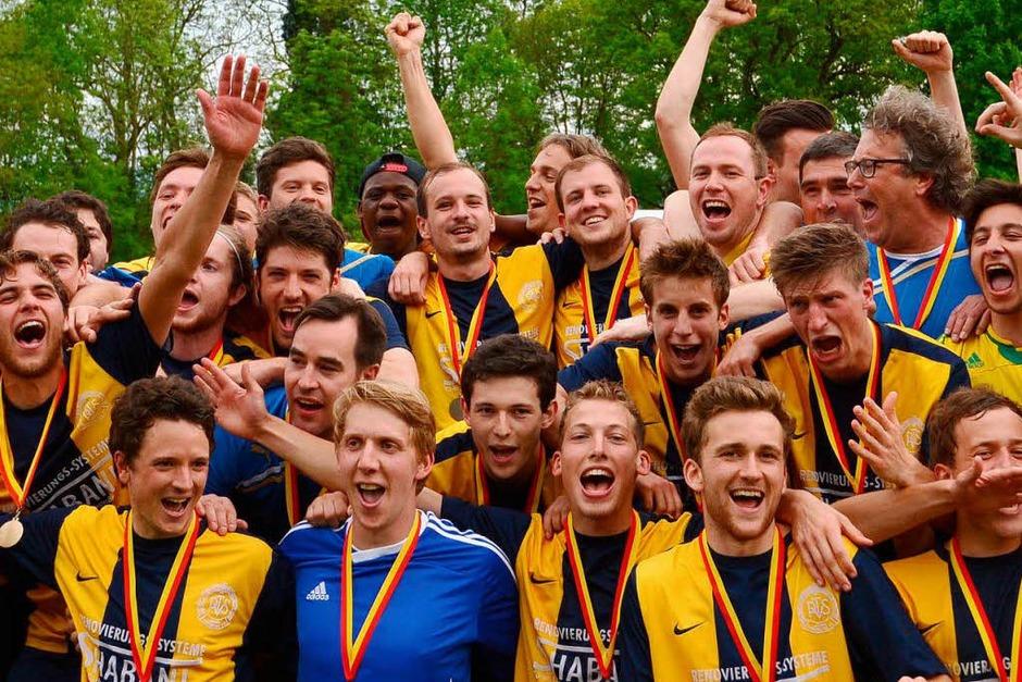 Grenzenloser Jubel beim Pokalsieger PTSV Jahn Freiburg (Foto: Patrick Seeger)