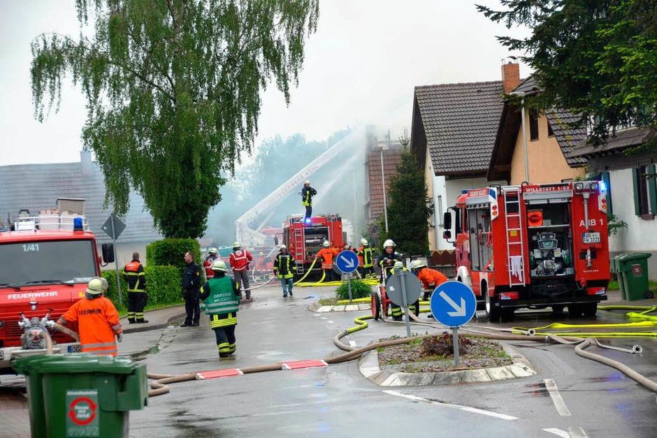 Großeinsatz im Willstätter Ortsteil Legelshurst. (Foto: Seller Helmut)