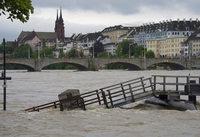Rhein für Schifffahrt gesperrt