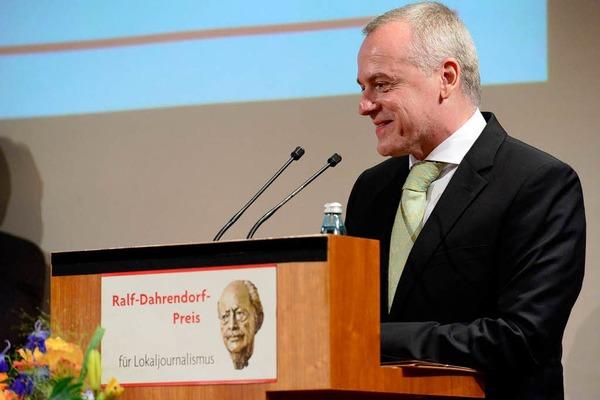 Den ersten Preis erhielt  Thomas Haag von der Augsburger  Allgemeinen Zeitung, Redaktion Bad Kreuznach, für die Aufdeckung eines Selbstbedienungsgeflechts bei den Landesgartenschauen in Rheinland-Pfalz