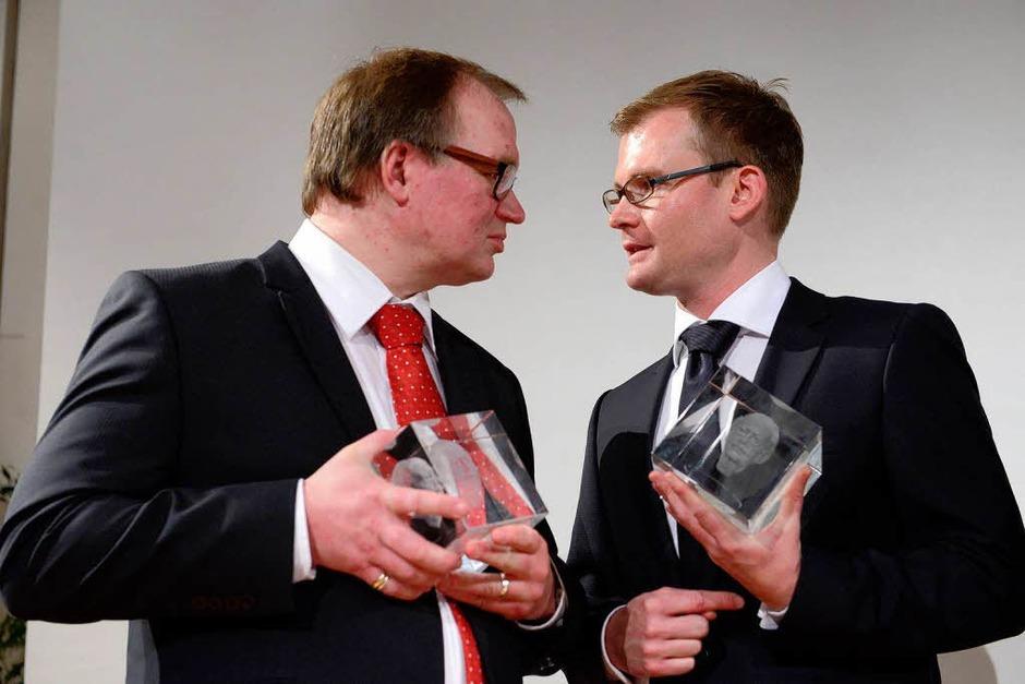 Der dritte Preis ging an  Wolfgang Messner von der Stuttgarter Zeitung (links) und Daniel Gräber, Der Sonntag,in der Redaktion Bad Säckingen. (Foto: Ingo Schneider)