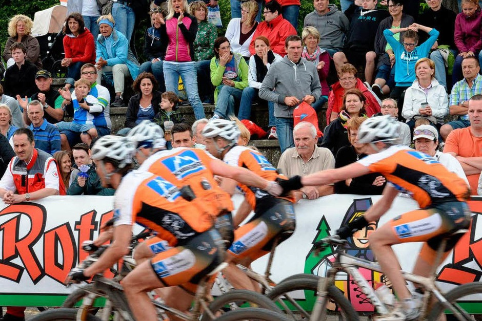 Ein Rennen der Rekorde: 5062 Radsportler sind beim Ultra Bike Marathon an den Start gegangen, angefeuert von vielen Zuschauern. (Foto: Patrick Seeger)