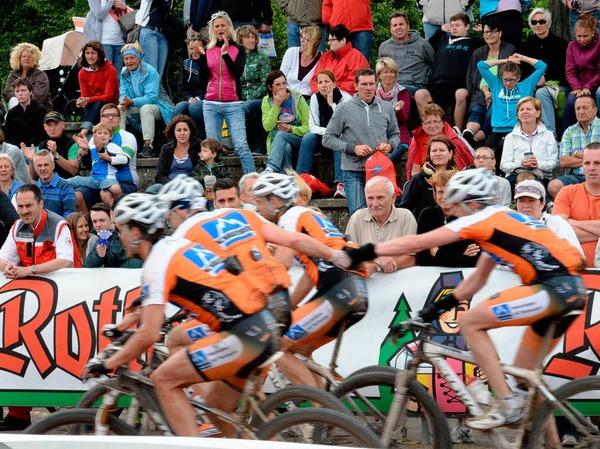 Ein Rennen der Rekorde: 5062 Radsportler sind beim Ultra Bike Marathon an den Start gegangen, angefeuert von vielen Zuschauern.