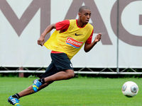 Fernandes deb�tiert beim Training des SC Freiburg