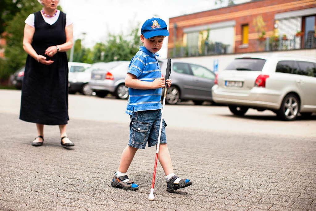 Echo ortung blinde kinder lernen sich zu orientieren
