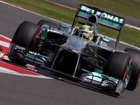 Formel 1 in Silverstone: Rosberg siegt, Vettel raus