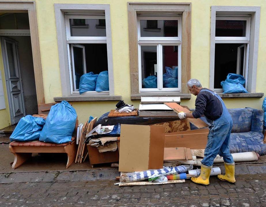 Das Wasser ist weg, die Schäden bleiben, so wie hier in Grimma.  | Foto: dpa-tmn