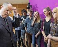 Im Kanzleramt konferiert Angela Merkel über die Jugendarbeitslosigkeit in Europa