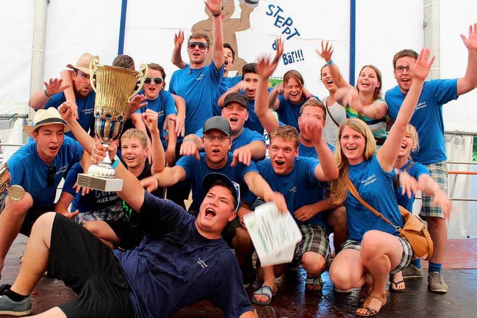 So sehen Sieger aus: die zweite Mannschaft der Landjugend Ippingen. (Foto: Mario Schöneberg)