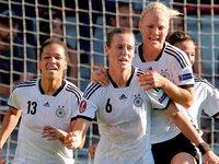 Simone Laudehr schie�t deutsche Elf ins Halbfinale