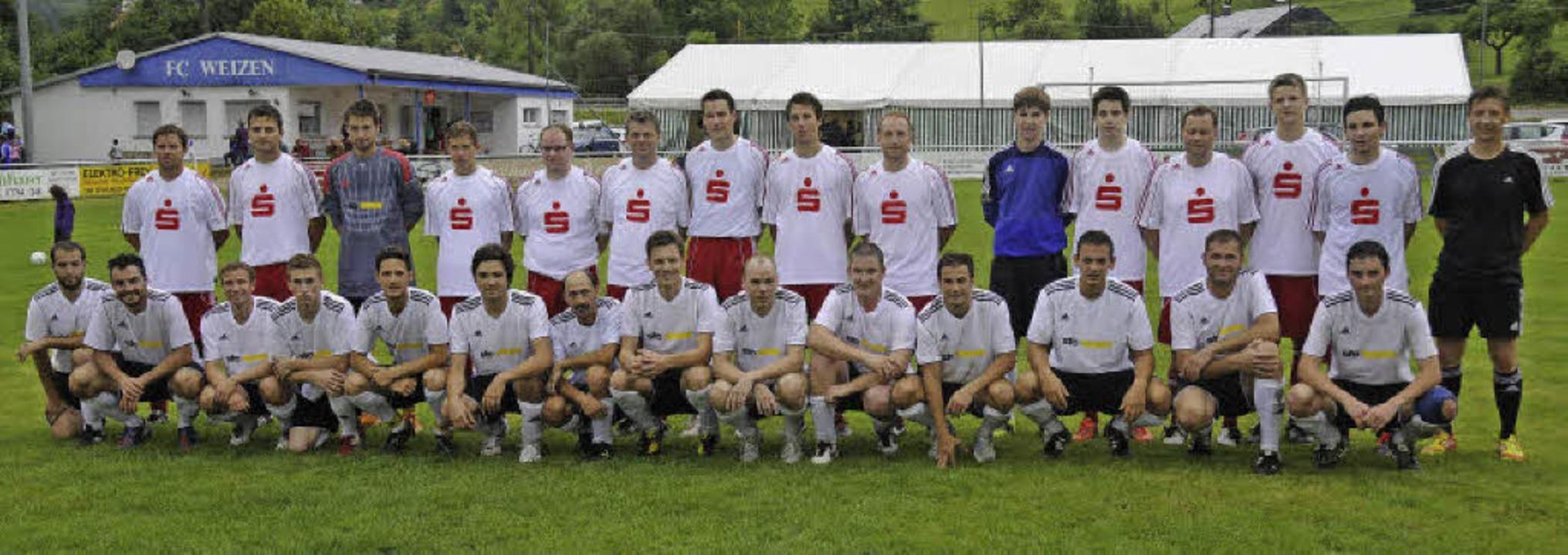 Der Mannschaft der Sparkasse Bonndorf-...f die faire Partie am Ende mit 6:2 ab.  | Foto: Dietmar Noeske