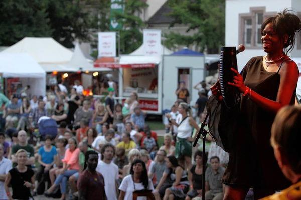 Sommer, Sonne, Salsa: Impressionen vom ersten Tag des African Music Festivals